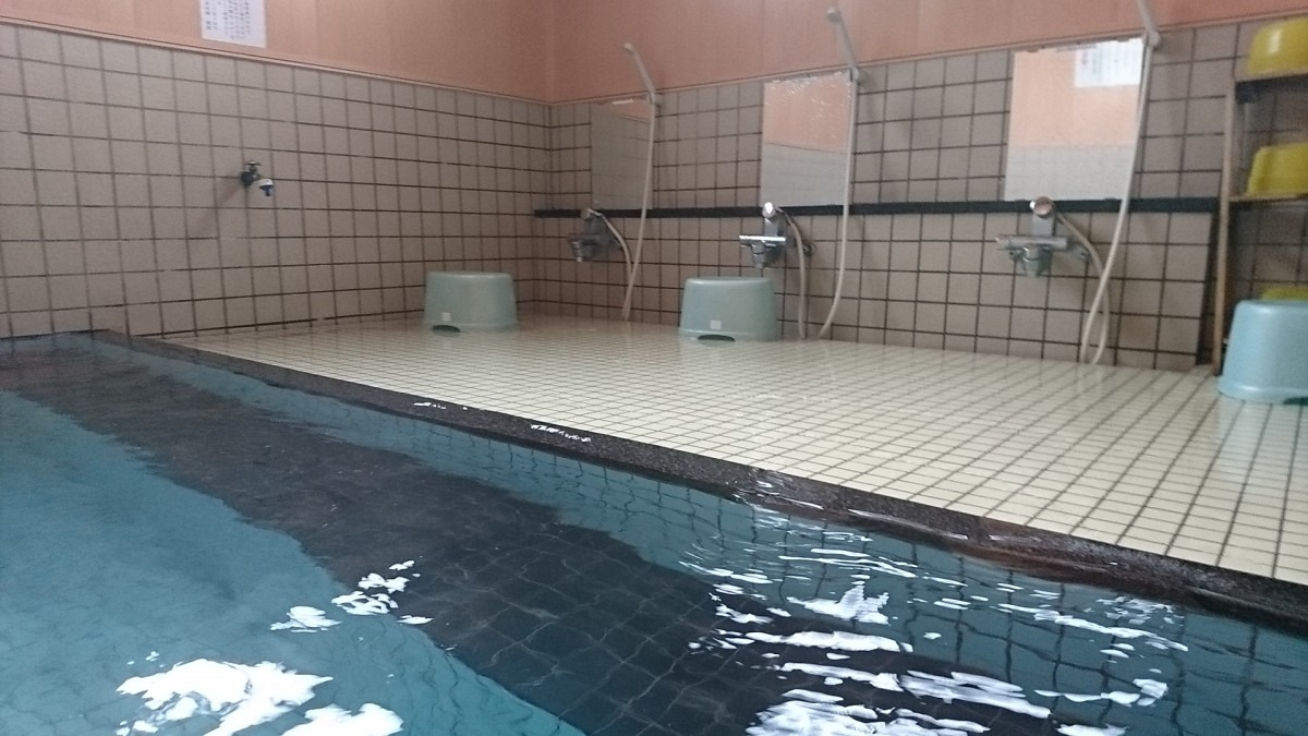 小野川温泉滝の湯浴室