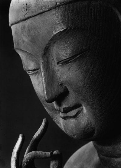 広隆寺 弥勒菩薩半跏像左半面相 ©ken domon